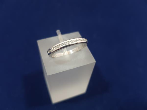 Anello in oro bianco 18 Kt. riviere ferma anelli con diamanti