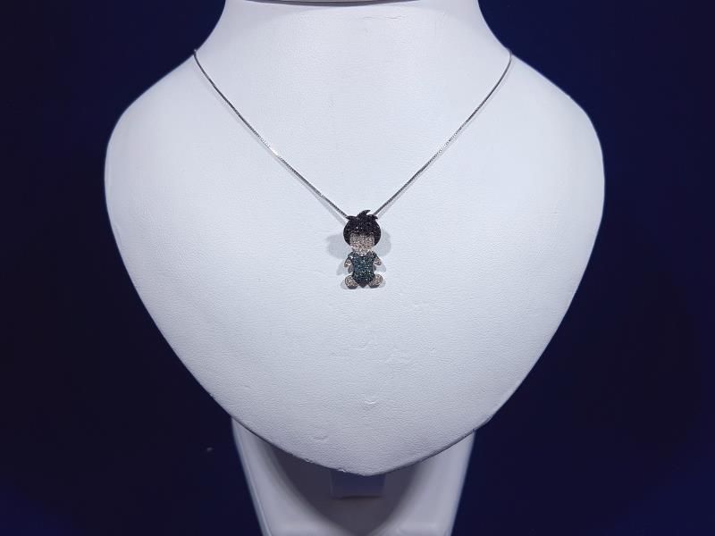 Grazioso ciondolo   bambino   in oro 18 Kt. con diamanti naturali